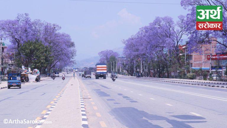 ललितपुरमा सवारीसाधनको चाप एकाएक किन बढ्यो ? १३ तस्विरमा हेर्नुहोस् ललितपुरको 'बिजी रोड' (फोटो-कथा)
