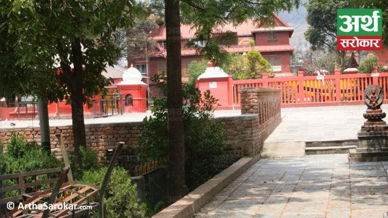 निषेधाज्ञामा सुनसान बूढानीलकण्ठ मन्दिर, १७ तस्विरमा हेर्नुहोस् एक फन्को मार्दा…जे देखियो…(फोटो-कथा)