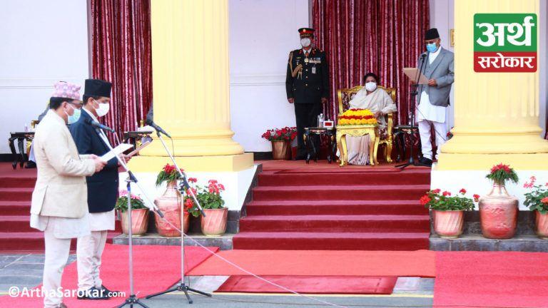 Historical Moment :  ९ तस्विरमा हेर्नुहोस्  पावरफुल ओली पुन: प्रधानमन्त्री बन्दाको राष्ट्रपति निवासको माहोल  (फोटो-कथा)